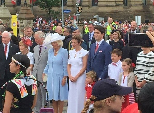 Prince Charles and Duchess Camilla, Canadian Prime Minister Justin Trudeau and his wife Sophie Gregoire and their children, Hadrien, Ella-Grace and Xavier Trudeau.   June 1-2017