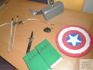 Fiesta Los Vengadores. Armas de cada uno de los personajes para la actividad (Todo proporcionado por la anfitriona)