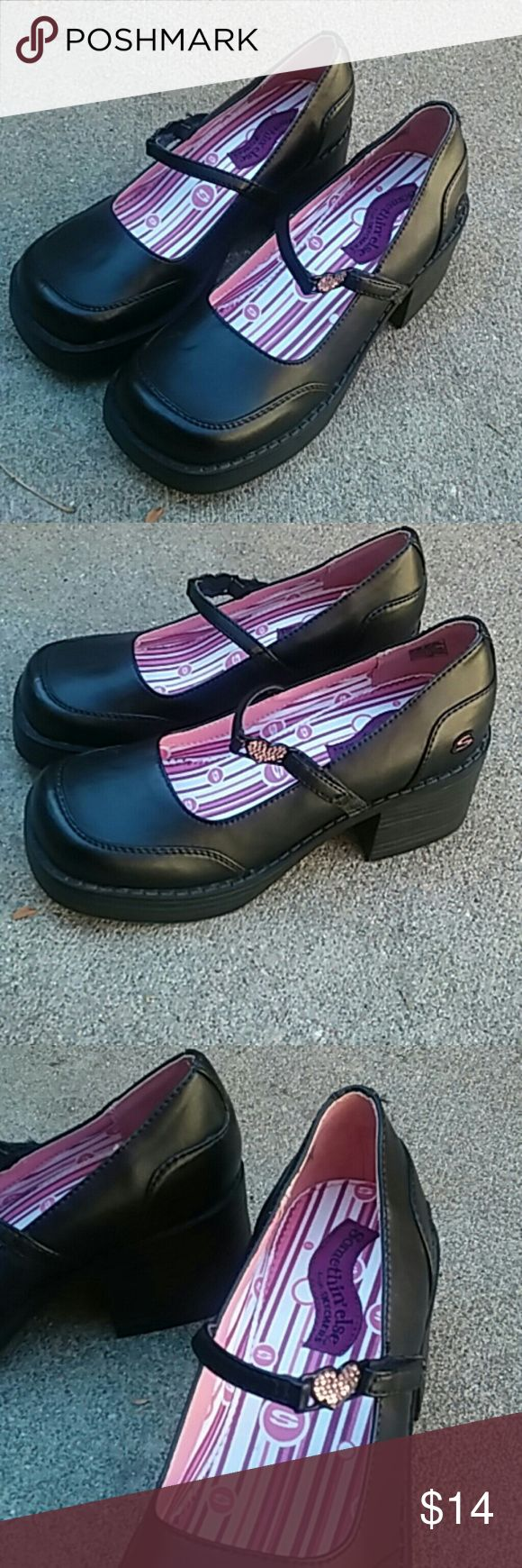 Skechers girls 3.5 mary janes chunky heels bling Worn once darling shoes! Skechers Shoes Dress Shoes