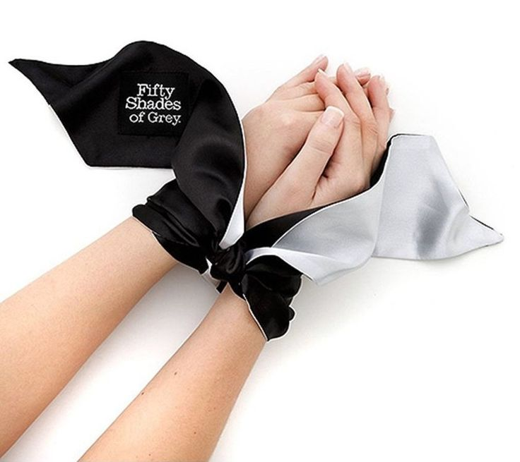 Rules were made to be broken, while soft limits were made for exploration. Push the boundaries in a journey of sexual discovery with the official Fifty Shades of Grey wrist tie. Soft, sensual and easy to use, it's a perfect introduction to bondage.