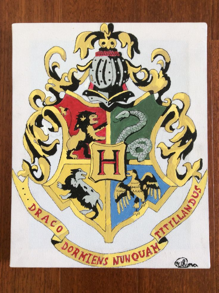 Hogwarts Crest- Painted :)