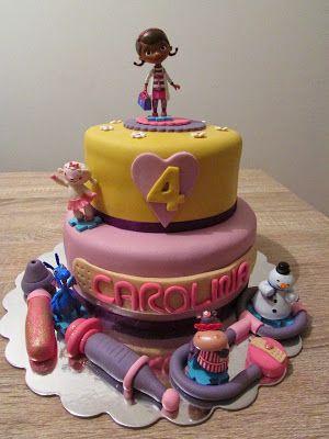 Gâteau Docteur la Peluche Bolo Doutora Brinquedos