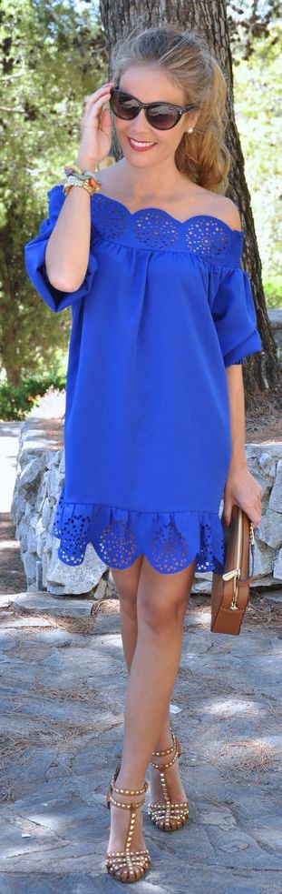 Royal Blue Romantic Off The Shoulder Little Dress by Te Cuento Mis Trucos.