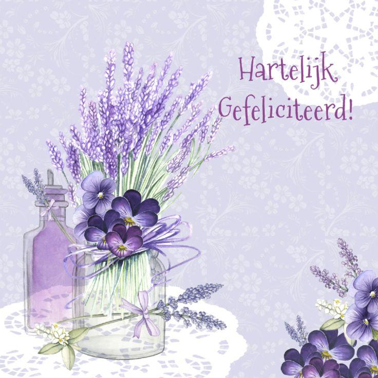 Verjaardag met leuke lavendel en viooltjes in glas