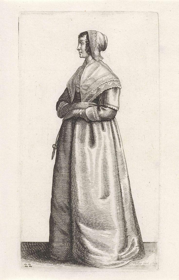 Wenceslaus Hollar | Engelse vrouw met schaartje aan ceintuur, Wenceslaus Hollar, 1640 | Staande vrouw, naar links, met donker krullend haar op het voorhoofd en langs weerszijden van het gezicht waar overheen een gevouwen mutsje dat bedekt wordt door een mutsje met teruggeslagen rand van geschulpt kant.  Gekleed in een japon bestaande uit een kort lijf met lage rechte halsuitsnijding, hoge taille, halflange rechte mouwen en 7/8 ondermouwen, op een lange, ruime rok enigszins slepend op de…