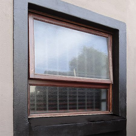 While windows allow us an opportunity to let in light and look out onto a scenic view, they are also an important element of your home exterior. Window frames that are well-maintained and look good are like a swipe with mascara … they add appeal to your property. http://www.easydiy.co.za/index.php/maintain/586-revamp-your-window-frames