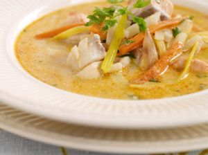 Nydelig fiskesuppe, dropp gjerne tomat, kjørvel og vin,  - like fin.