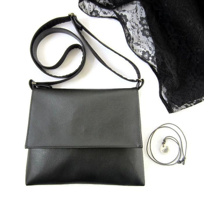LBB Little Black Bag. Handmade faux leather bag. http://www.doorjolanda.nl/c-2509178/kleine-tas/