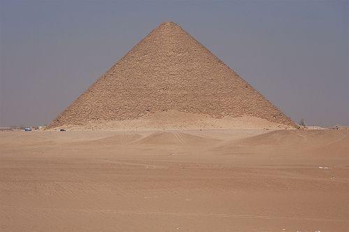 ..también se atrevió a crear sus propias montañas...