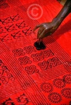 Asante Adinkra cloth stamping via myloupe