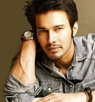@InstaMag - Actor Rajniesh Duggall knows that networking is an important part of being in Bollywood, but he says he has very limited friends in the industry.