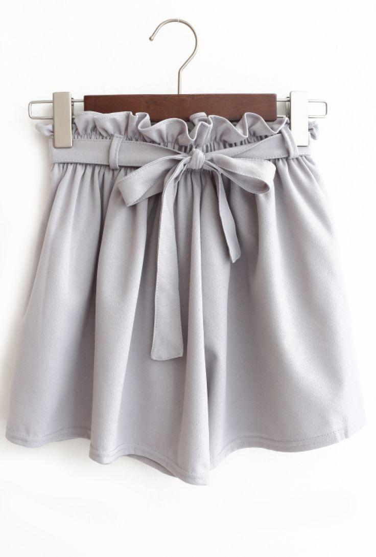 gray bow shorts