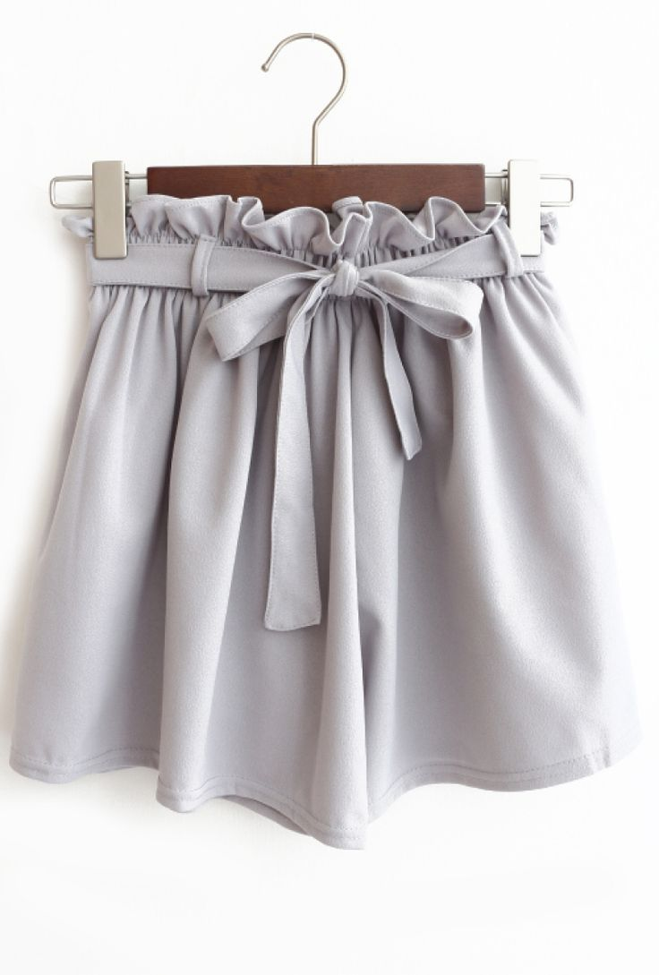 gray bow shorts