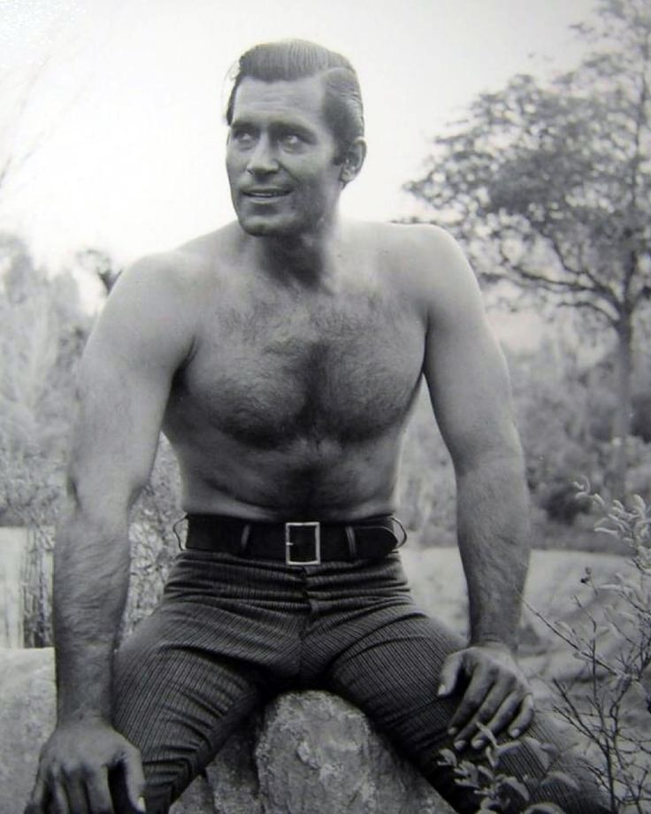 Clint Walker in Cheyenne (1955-63, ABC)
