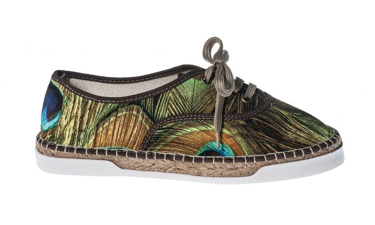 Basket Paon  #paon #pauw #peacock #espadrille #shoes #summershoes #springshoes #shoelaces #ladies #dames #girls #womenshoes #spring #summer   Shop here: http://www.studioreve.nl/product/basket-paon/