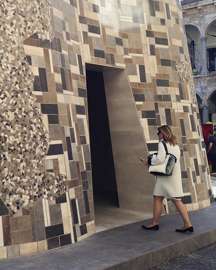 The tiles of the #InOuts external surface are obtained from ceramic materials waste. @massimoiosaghini was able to create a rich and vibrant pattern thanks to the chromatic and tactile range of #CeramicheCerdisas products.  Stop by #OpenBorders at Università degli Studi Milan Until April 23 2016  #milandesignweek #mdw2016 #isaloni2016 #designweek #salonedelmobile #fuorisalone #architecture #archiproducts #interiors #tiles #design #homedecor #homedesign #italianstyle #interiordesign…