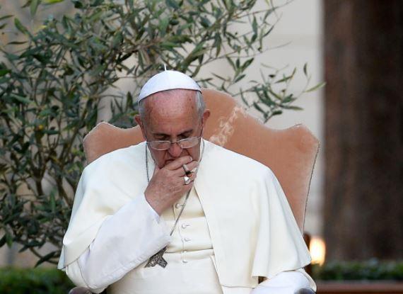 O Papa Francisco proibiu a venda de cigarros no Vaticano, numa tentativa de dar o exemplo de uma vida saudável.  O Vaticano anunciou em um comunicado na