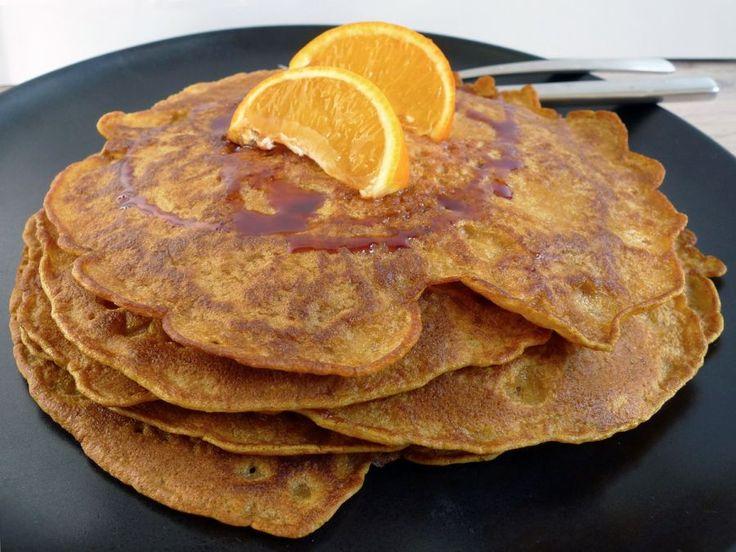 Pannenkoeken met pompoen? Jazeker, en dat is nog hartstikke lekker ook. Zeker met de herfst op komst! | http://degezondekok.nl