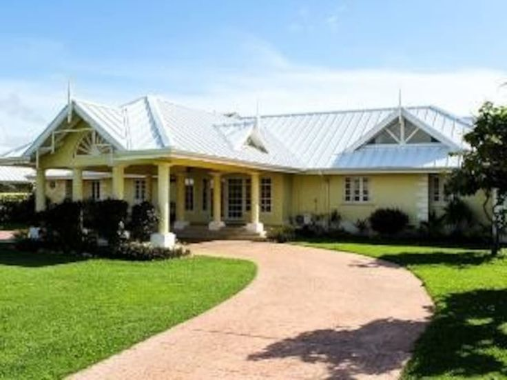 Villa in , Trinidad and Tobago. My place is close to Mt Irvine Bay, Grafton Beach, Scarbrough, Crown Point. My place is good for couples, business travelers, families (with kids), big groups, and furry friends (pets).