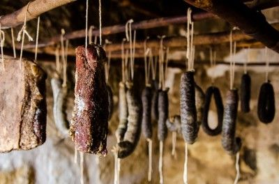 How to preserve meat long-term http://www.offthegridnews.com/2014/08/12/preserving-meat-long-term-the-old-fashioned-way/
