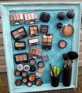 Creative DIY Makeup Storage - Magnetic Makeup holder - in a picture frame
