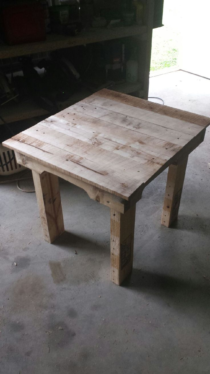 Camp seat side table #Pallets, #Table, #Upcycled