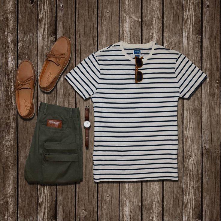 3,959 отметок «Нравится», 18 комментариев — StylesOfMan.com (@stylesofman) в Instagram: «Perfect spring look for a warm, sunny day ✌ T-shirt: @jcrew  Pants: @outlier  Boat shoes: @sperry…»