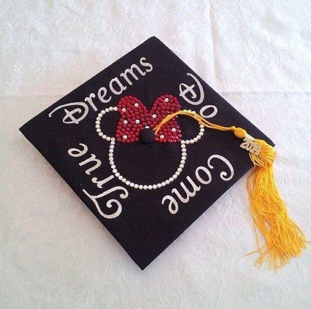 Community Post: 32 Jaw Dropping Disney Graduation Caps