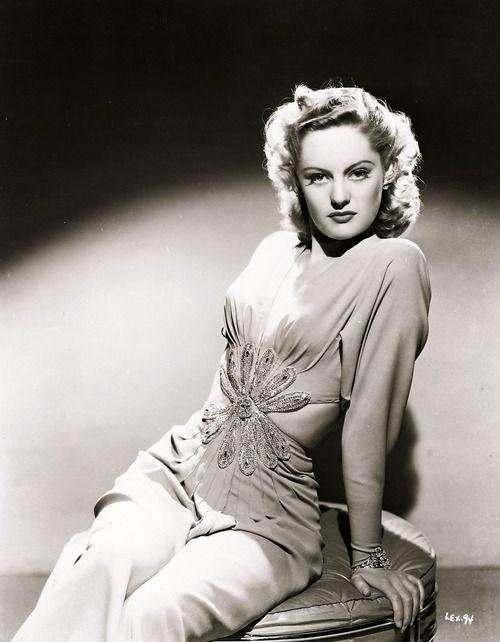 Alexis Smith, 1940s