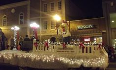 Christmas parade float ideas - using fence pickets to edge the trailer. Description from pinterest.com. I searched for this on bing.com/images