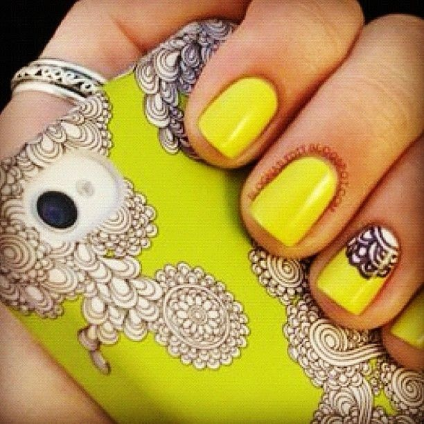 Lovely lacey accent!: Nailart, Color, Makeup, Phone Cases, Yellow Nail, Nails, Nail Design, Nail Art