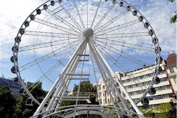 Sziget Eye is open to the public on Erzsébet square