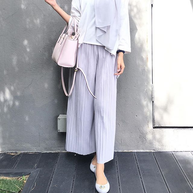 Wearing culottes in grey from @pleatsbymm Thank you! Super comfy me likey