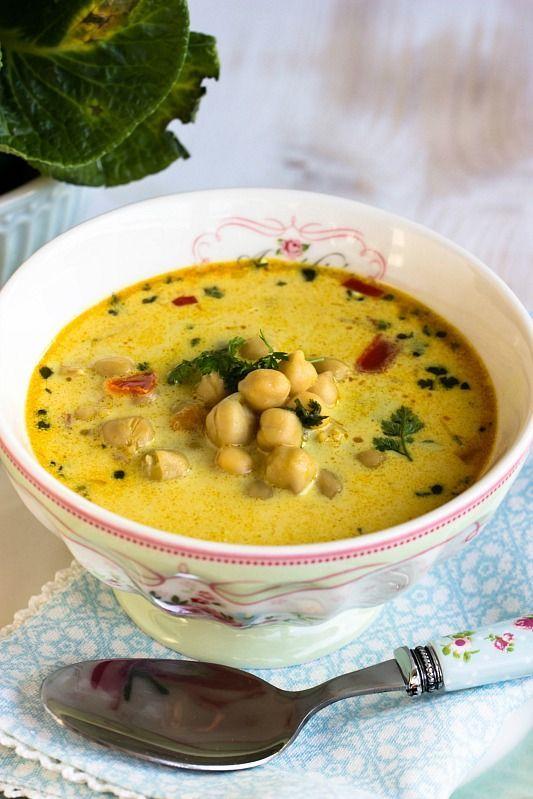 Schnelle,gesunde Kichererbsen Suppe mit Kokosmilch und vielen Gewürzen