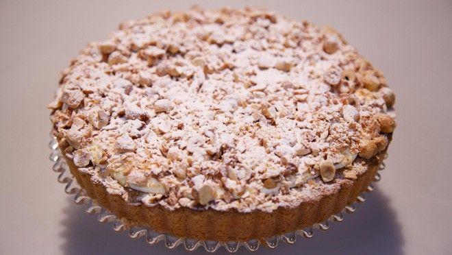 Platte hazelnootspijstaart - Rudolph's Bakery | 24Kitchen