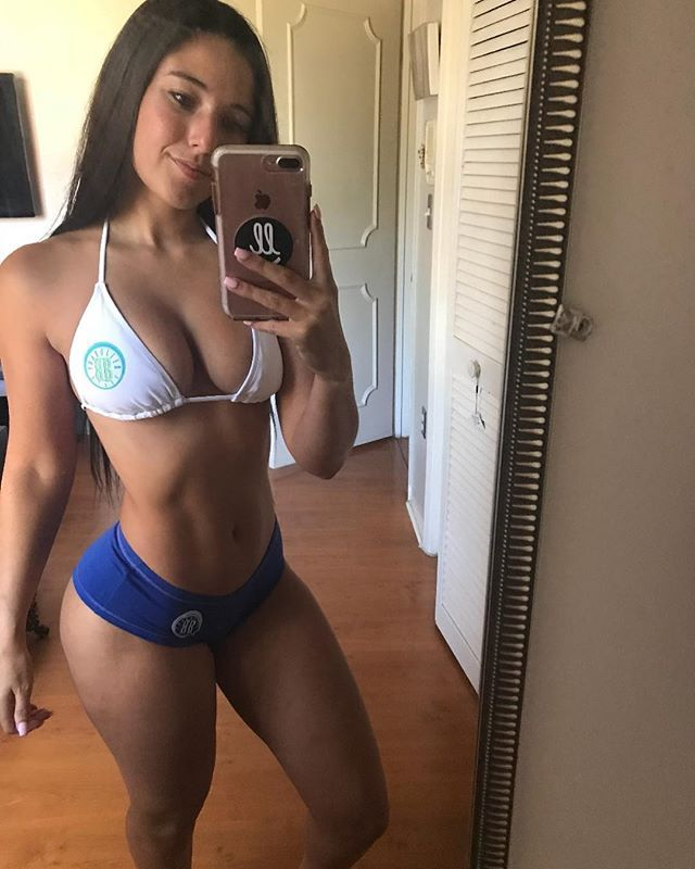 Nude Angie Varona