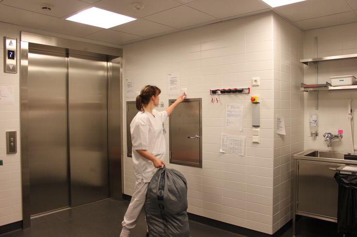 Ecosir Groupin järjestelmistä edistyksellisiä tekee se, että useita jätejakeita voidaan kerätä ja siirtää pois syntypaikasta edelleen käsiteltäväksi hygieenisesti ja hajuttomasti. Työntekijöiden aikaa säästyy, kun jätteet pystyy kierrättämään lähellä työpistettä. Ecosin Groupin järjestelmät on otettu käyttöön lukuisissa sairaaloissa ja terveyskeskuksissa ja hoitolaitoksissa Suomessa. Putkikuljetus,- kuilu- ja siirtojärjestelmiin voidaan laittaa mm. vaipat, orgaaninen ja sekajäte.