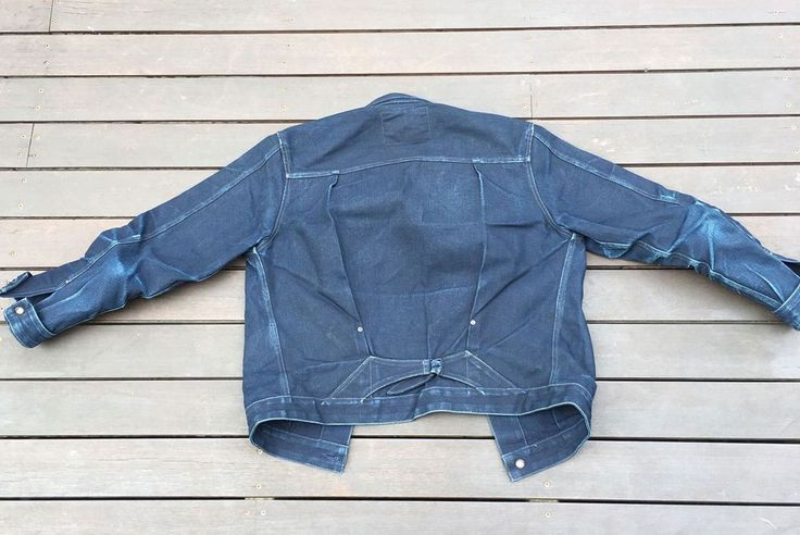Indigo-on-indigo is what we have for you this Fade Friday all, and it's in the form of a well-worn jacket from Stevenson Overall Co.