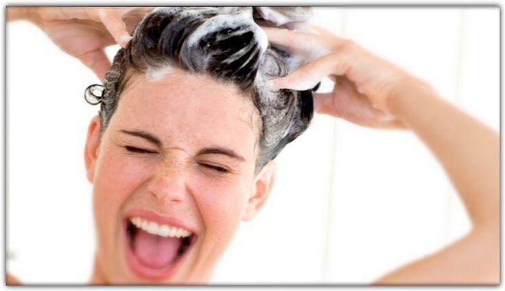 Il lavaggio dei capelli richiede cura e attenzione, altrimenti il risultato che si ottiene è: capelli sporchi e appesantiti. Segui i consigli dell'Istituto Tricholos