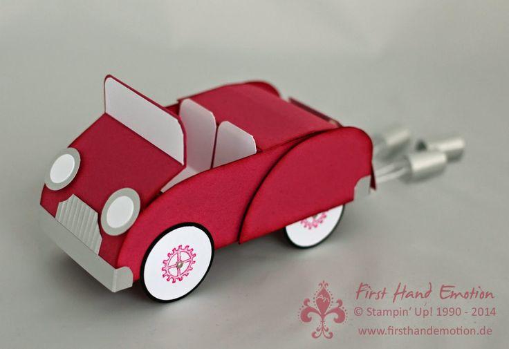 First Hand Emotion: Eine Cabriofahrt ins Glück, Cabrio, Auto aus Papier, Hochzeit