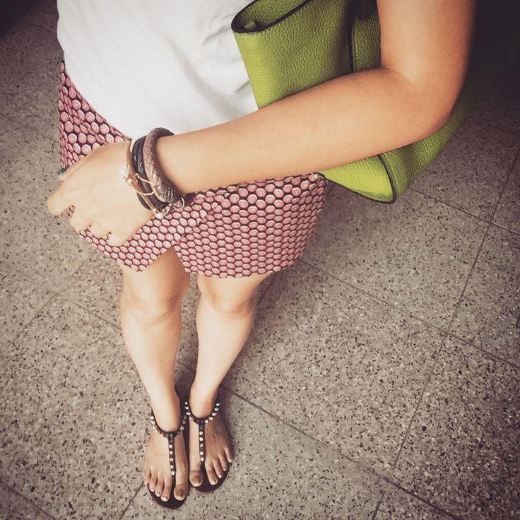 # 즐거운 #주말  #happy #weekend . . . . . #ootd #daily #dailylook #옷스타그램 #줌마그램 #줌스타그램 #줌마스타그램 #팔로우 #follow #me #style #fashion #스타일 #패션 #셀스타그램 #selfie #여름 #summer #instadaily #shoefie #jeffreycampbell #제프리캠벨 #자라 #zara #korea #슈스타그램