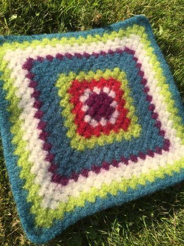 Lykkebobler : Sitteunderlag - tovet bestemorsrute