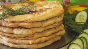 Фото к рецепту: Лепешки с Творогом и зеленью. Вкуснотища)