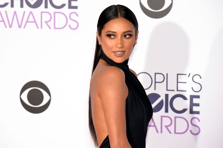 Here's your chance to slay like Shay!   There's no denying Shay Mitchell was one of the big winners at last night's People Choice Awards!