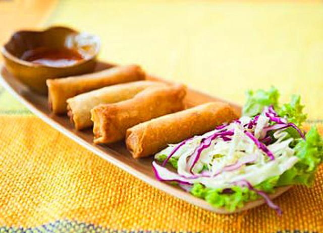 Try Thai Spring Rolls with Either Vegetables or Shrimp: Scrumptious Thai Spring Rolls! (vegetarian or with shrimp)