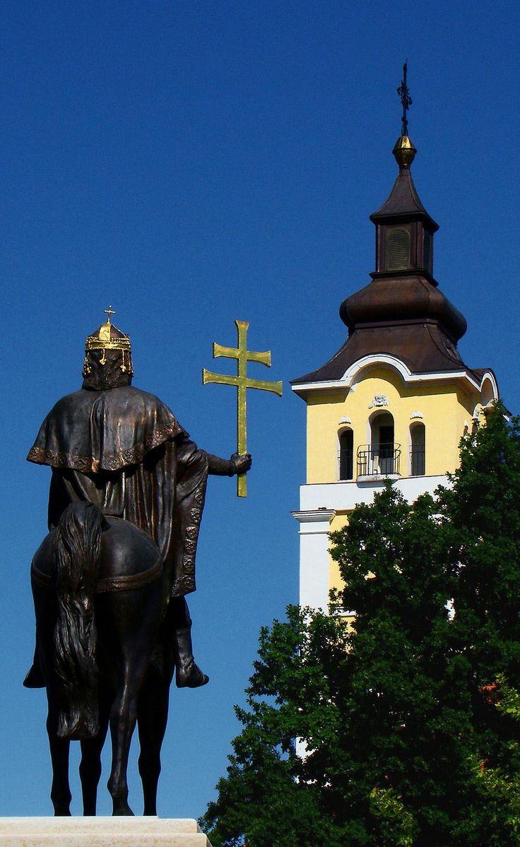 2014.05. Hungary, Kistelek, the Szt. István church and the statue__a Szent István templom és a szobor__photo by Peter Farsang_©fapeter