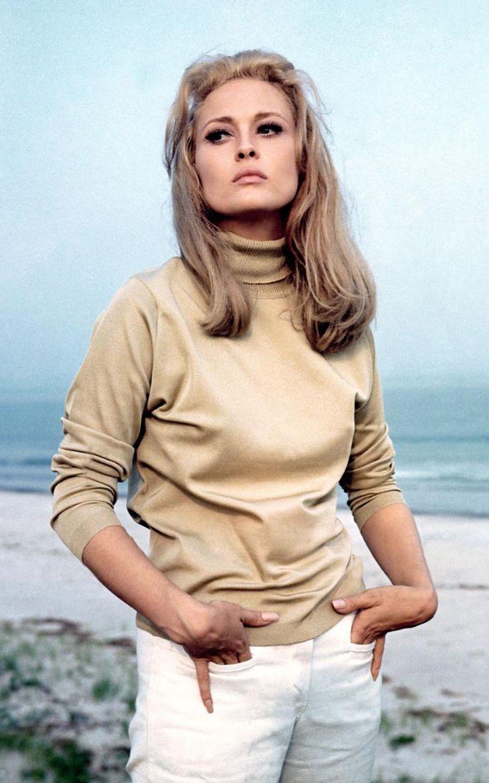 Faye Dunaway Nude Photos 85