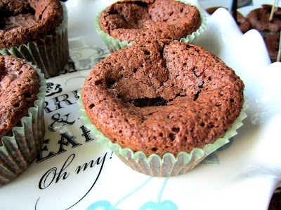Flourless sunken chocolate orane cakes
