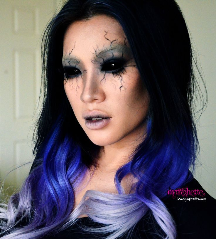Angel of death makeup. Seems pretty easy if you don't have a lot of time to make a crazy costume for Halloween. Hair is awesome!