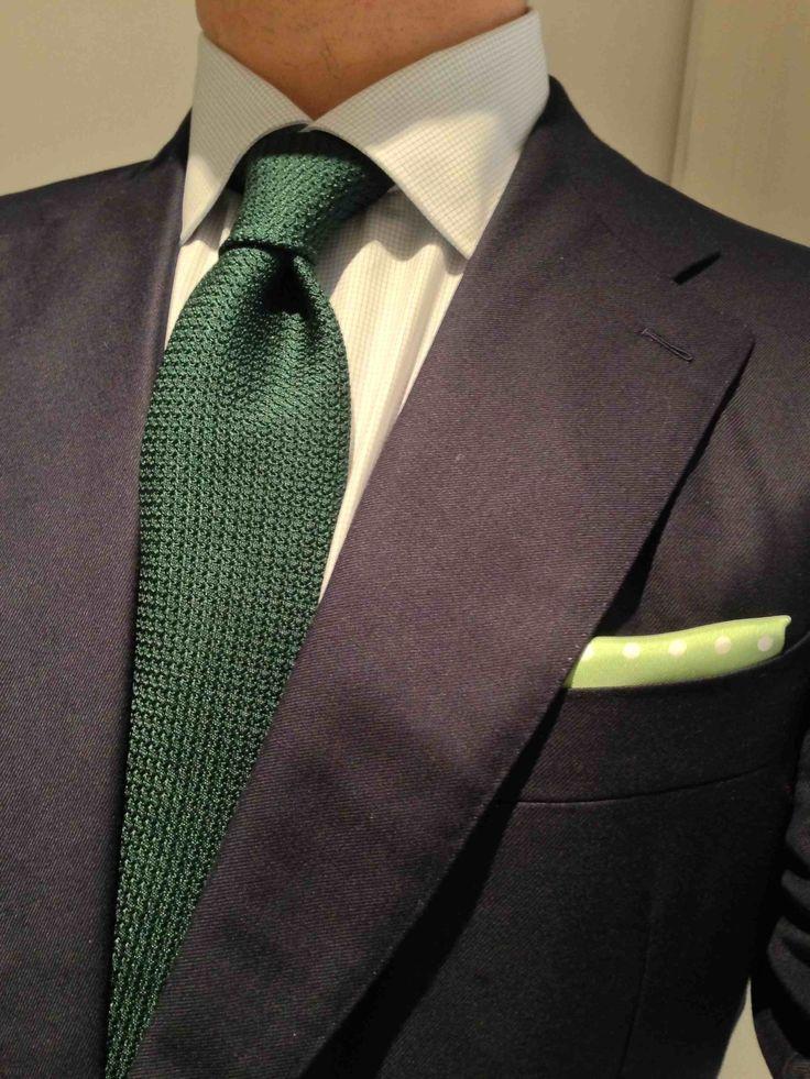 black suit dark green tie - photo #33